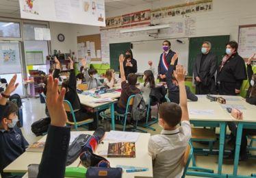 Des élèves de l'école Henri Crevat participent au Parlement des enfants